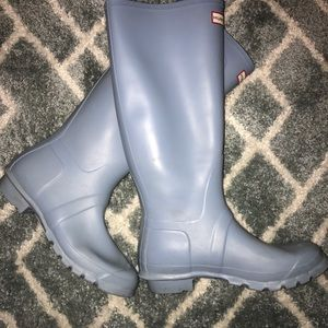 Hunter rain boots -like brand new!!